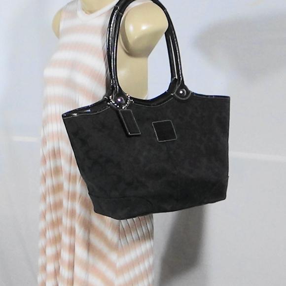 Coach Handbags - SIGNATURE BLACK BLEEKER SHOULDER BAG/TOTE